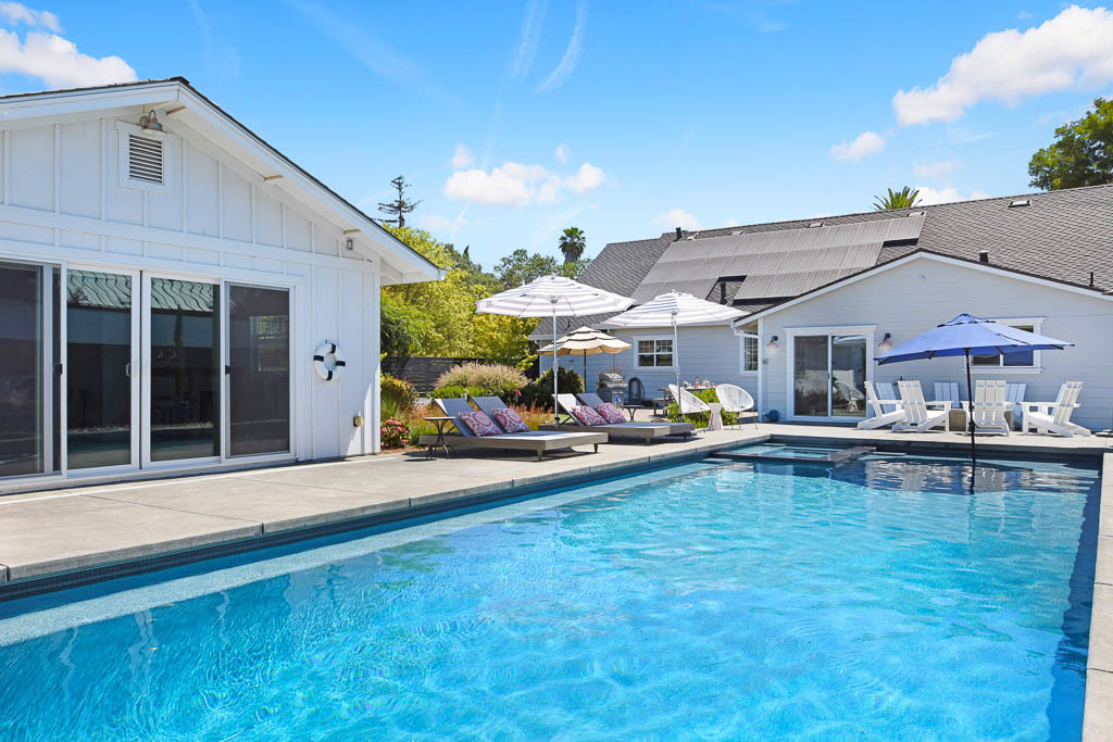 cottages with pool
